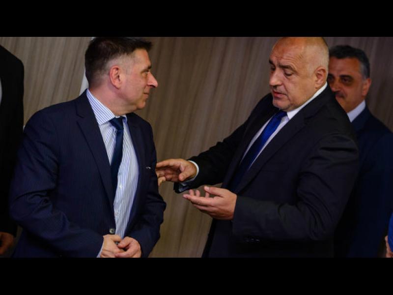Данаил Кирилов подава оставка, ако мониторингът не отпадне до края на тази Еврокомисия - картинка 1