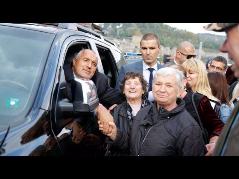 Борисов бие ГЕРБ по рейтинг, БСП - Нинова