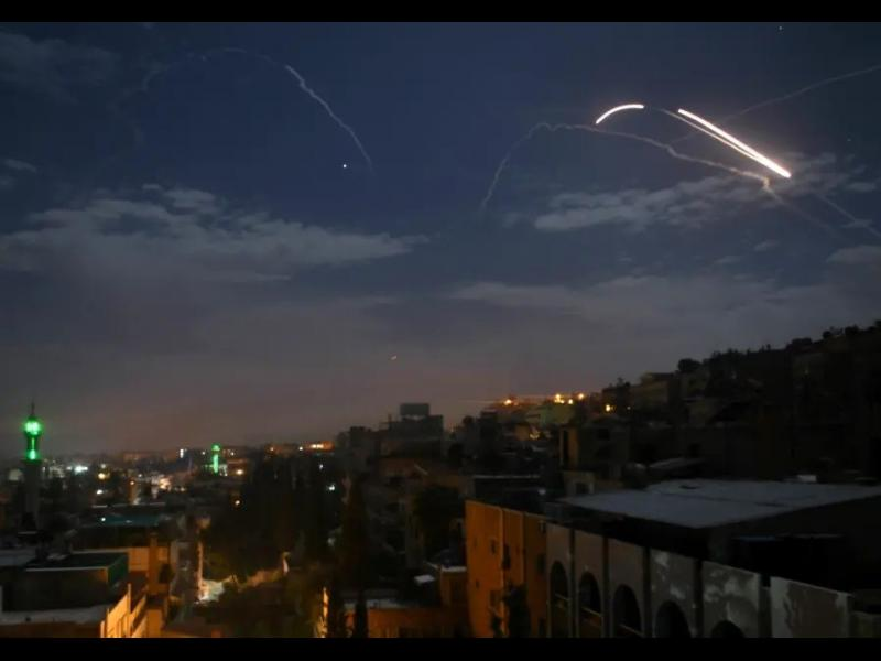Израел удари стратегически район в Сирия