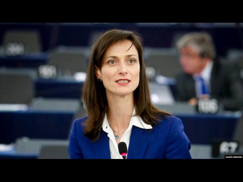 "КПКОНПИ прекрати проверка на Мария Габриел. Евродепутат не било ""публична длъжност"""