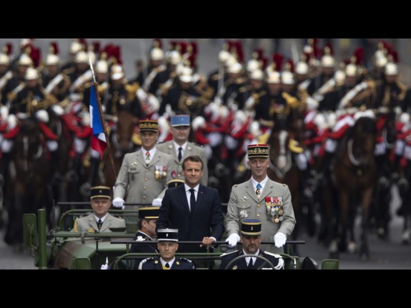 Близо 300 души задържани във Франция