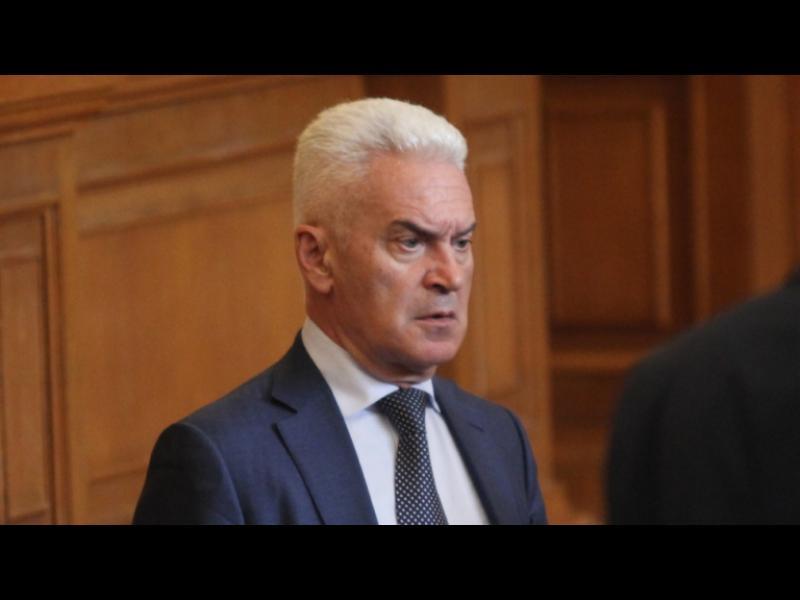 """Сидеров свален от ръководството на ПГ на """"Обединени патриоти"""" - картинка 1"""