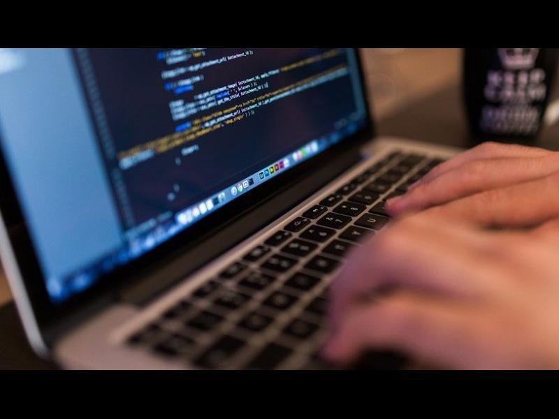 Хакери твърдят, че са източили данни на милиони българи и фирми. НАП проверява заплахата