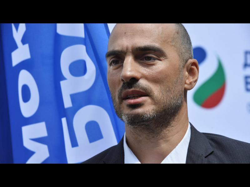 """Кандидат-кметът на """"Демократична България"""" обеща да приложи опит от Ню Йорк, Пекин и Москва"""