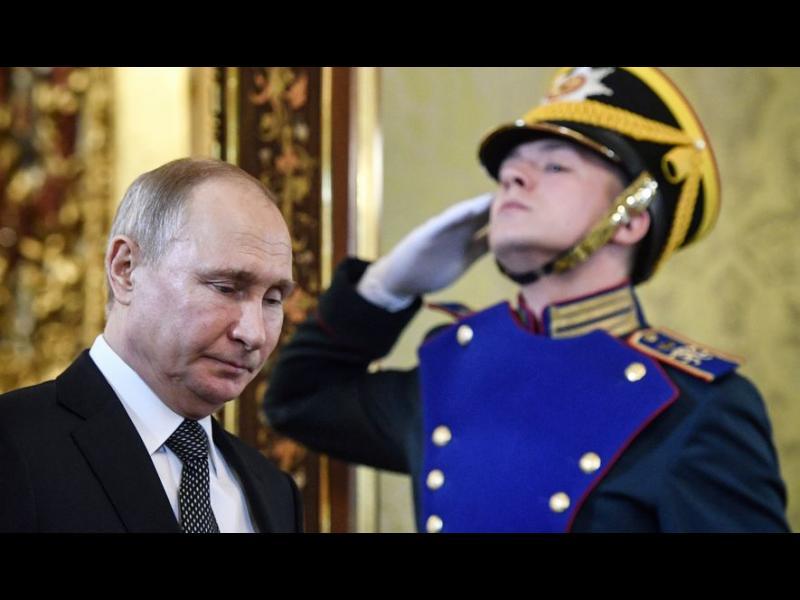 Politico: Най-добрият начин за справяне с Русия - да изчакаме да се самовзриви