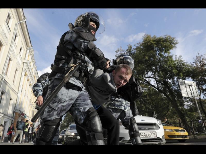 Властите в Москва разрешиха митинг за 100 000 души