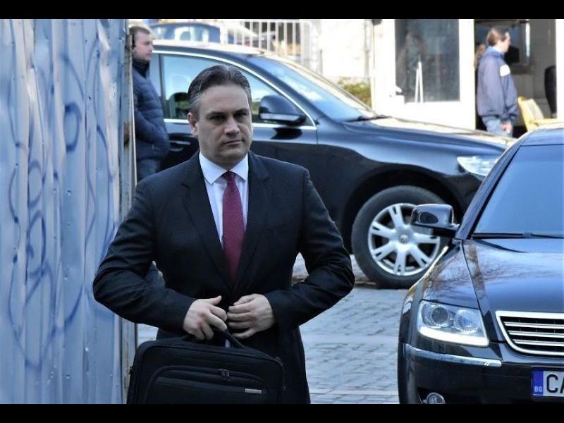 Българи от Валенсия с петиция срещу Пламен Георгиев за консул, готвят и протест