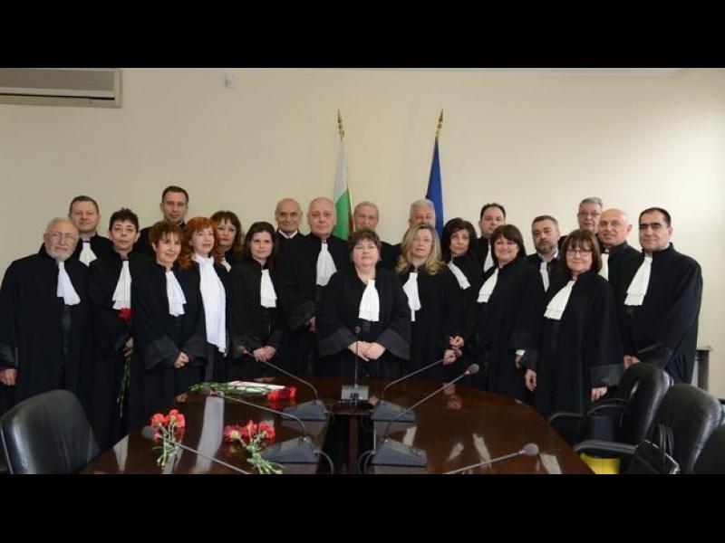 Висшият адвокатски съвет никога досега не е излизал с подобна позиция в навечерието на избор на главен прокурор