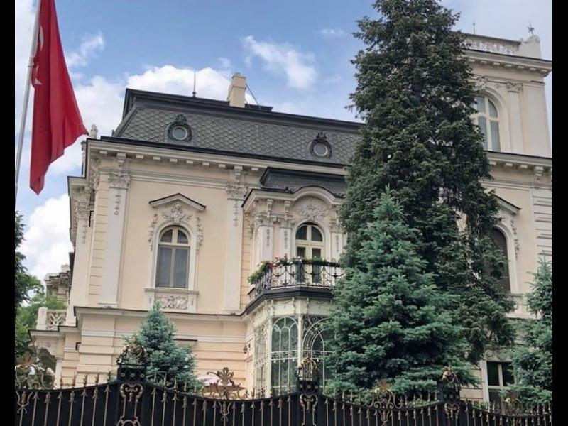 Турция изпраща жена за нов посланик в България - картинка 1