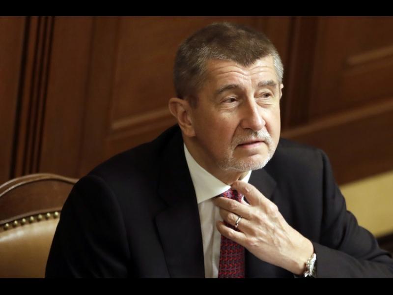 Чехия спря разследването срещу премиера си