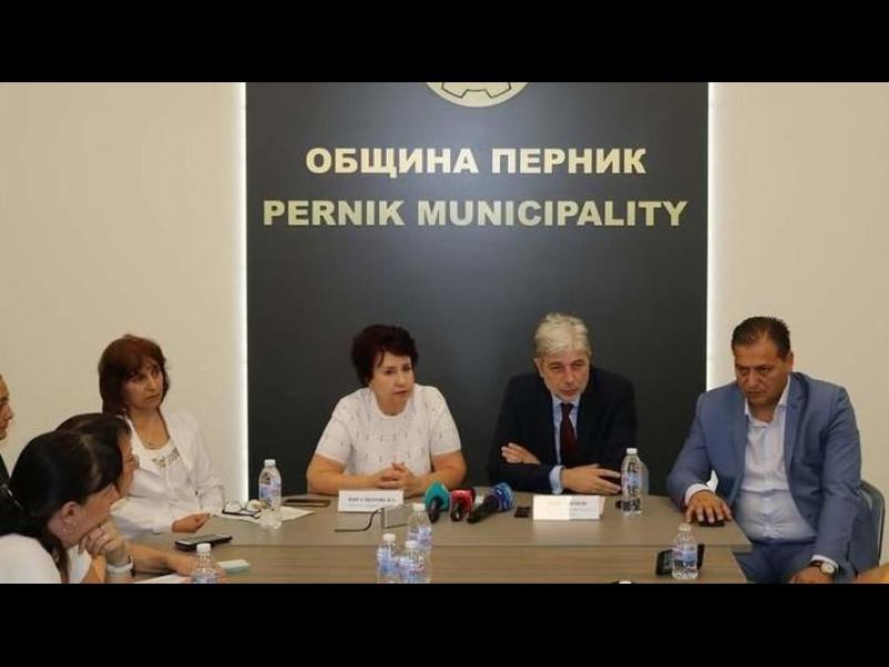 Екоминистерството, ДАНС и прокуратурата ще търсят кой трови въздуха в Перник