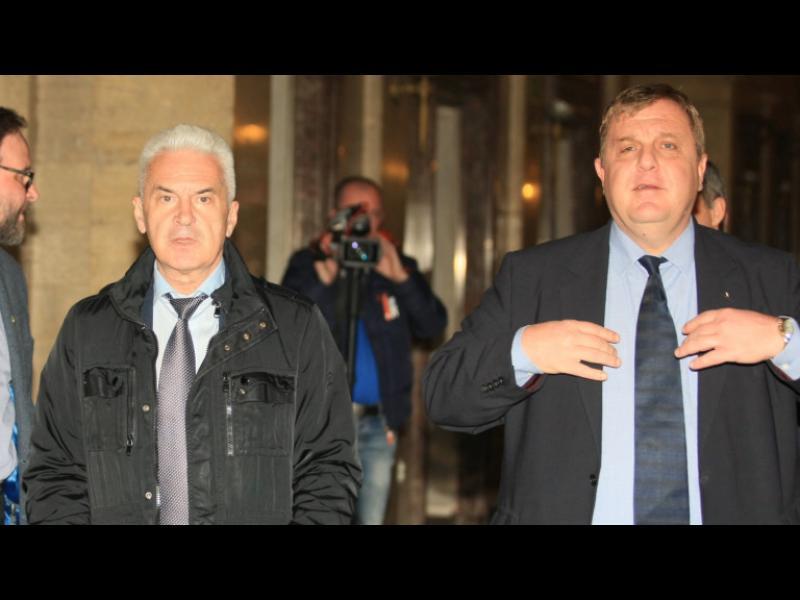 Сидеров иска оставката на Каракачанов, за да оцелее кабинетът - картинка 1