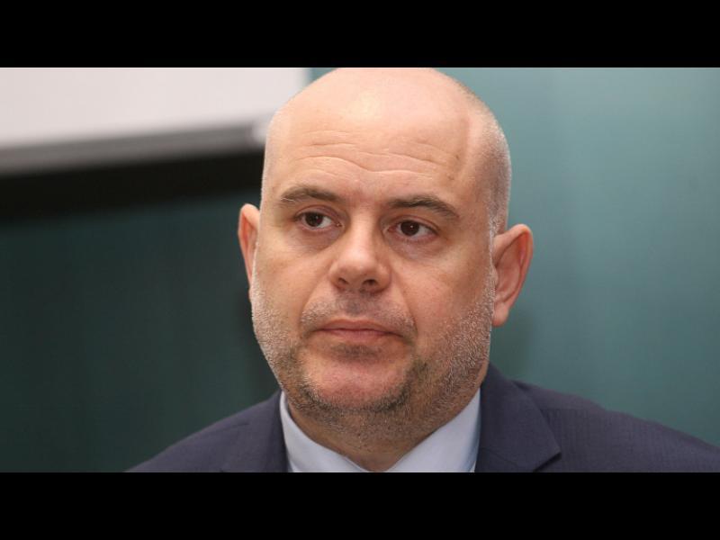 Две години Иван Гешев е работил само по делото за КТБ