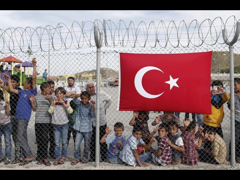 """Какво стои зад плана на Турция за """"презаселване"""" на бежанци?"""