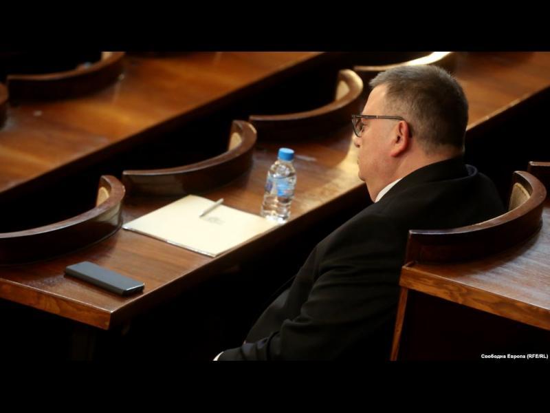 """ГЕРБ, ДПС и """"патриотите"""" избраха Сотир Цацаров за председател на КПКОНПИ"""