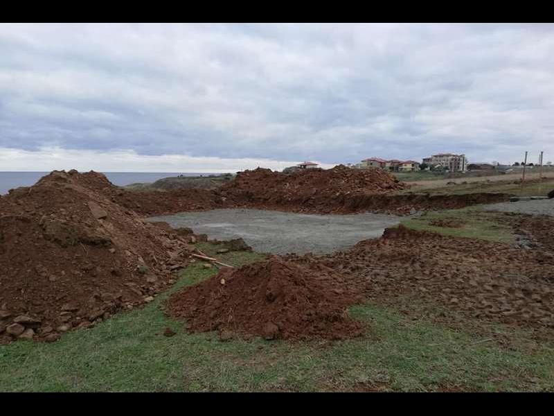 Спират временно строежа в Синеморец