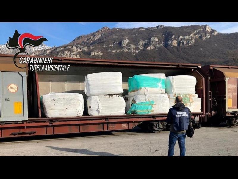 Властите в Милано задържаха 815 тона пластмасов боклук от Италия за България