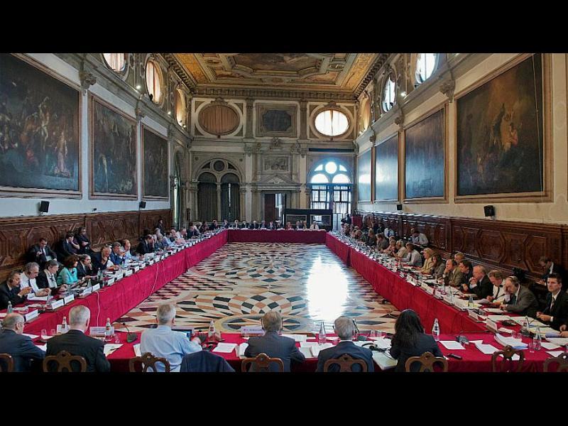 Венецианската комисия: Необходим е механизъм за разследване само на главния прокурор