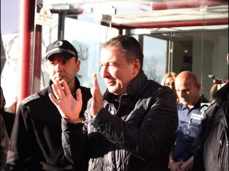 Съботно-неделно: Прокуратурата си промени мнението и спецсъдът пусна несебърския кмет
