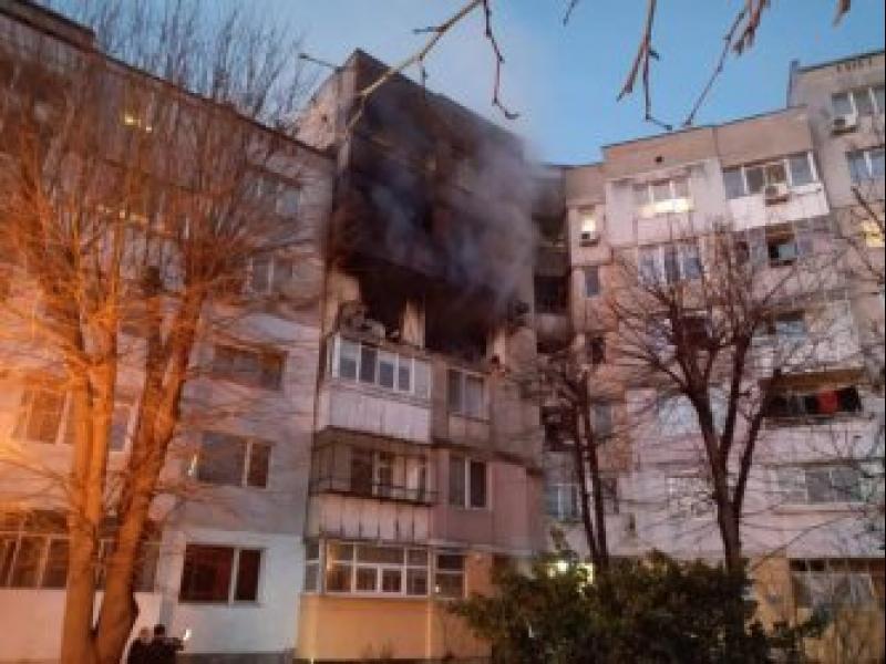 Две жертви и ранени при мощен взрив в жилищен блок във Варна - картинка 1