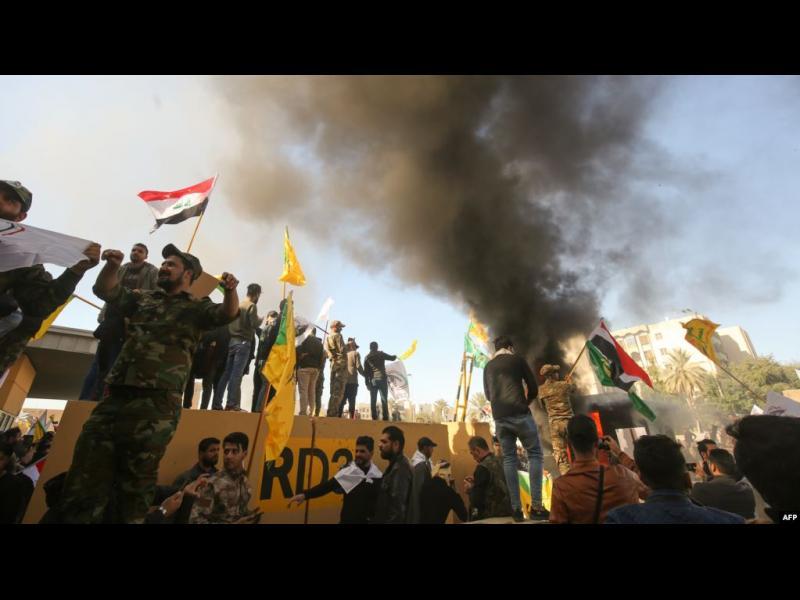 САЩ пращат военни в Близкия изток в отговор на атаката срещу посолството им в Ирак