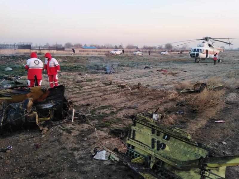 Украински самолет със 176 души се разби край Техеран. Няма оцелели - картинка 1