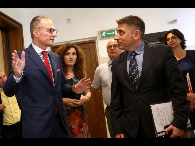 Панов за Данаил Кирилов: Без да обезпокоявам най-добрия юрист на управляващите...