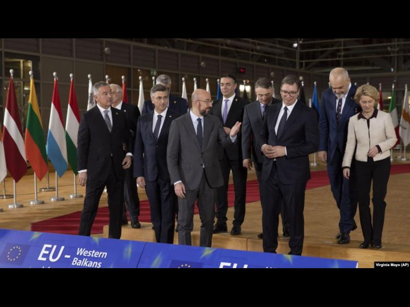 """Брюксел иска да държи Западните Балкани """"възможно най-близо"""" до себе си"""