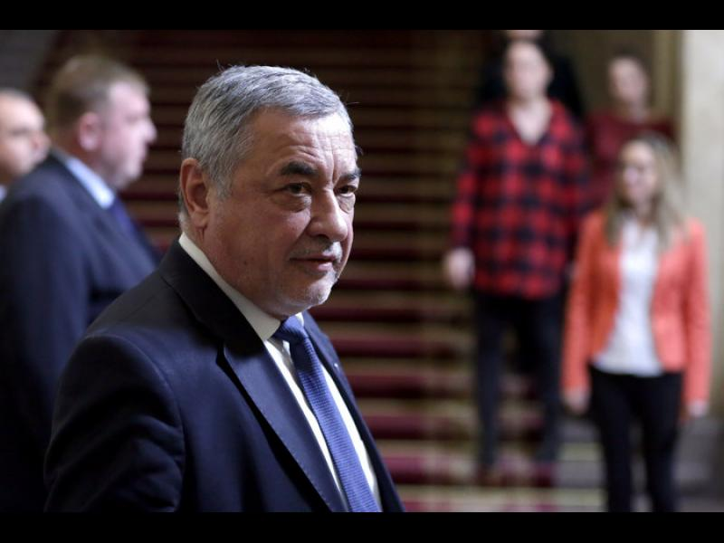 """""""Позор, господин зам.-председател на парламента"""". Петков и Хекимян ще съдят Симеонов"""