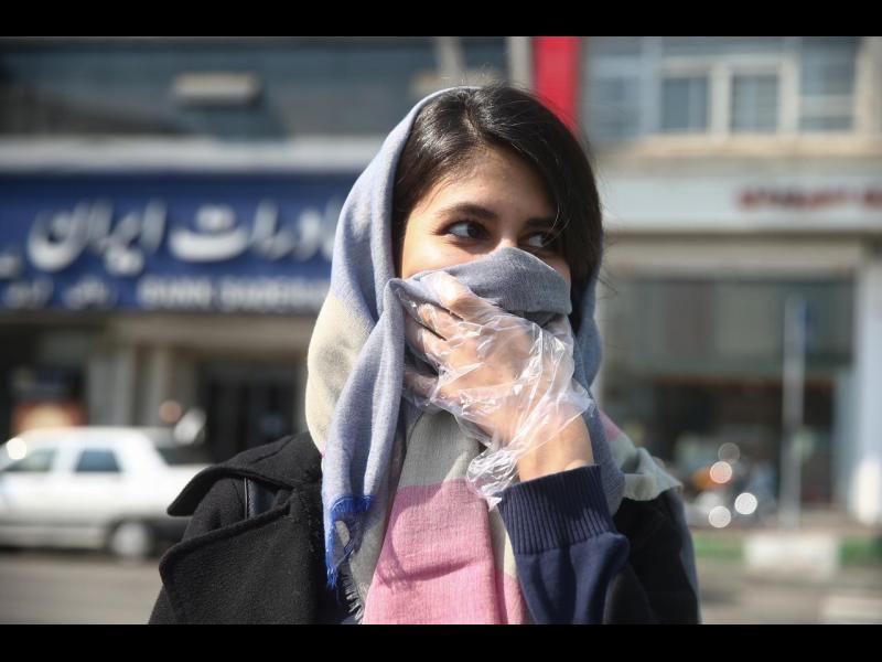 Иран поиска 5 млрд. долара от МВФ за справяне с коронавируса