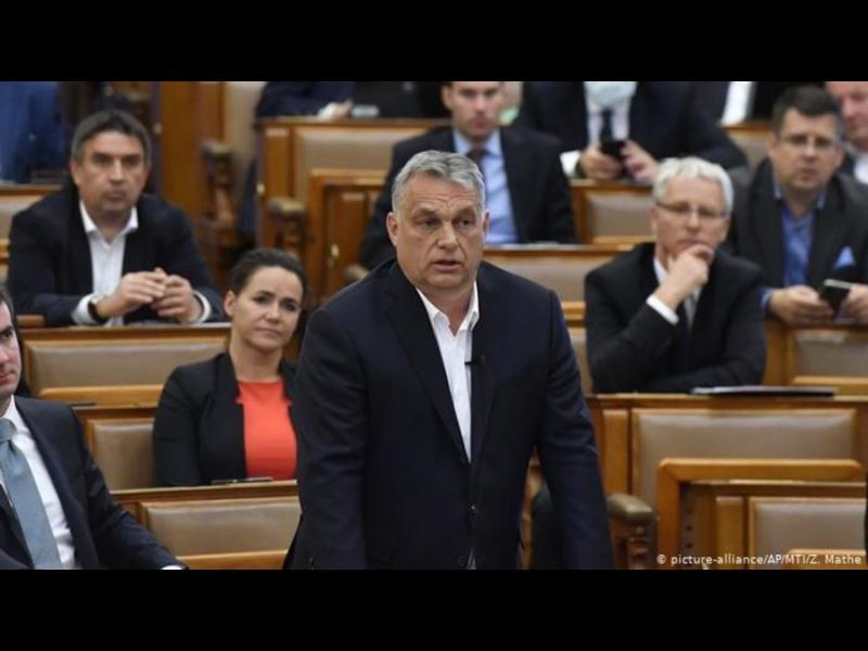 Защо хора на Орбан купват медии в Северна Македония и Словения