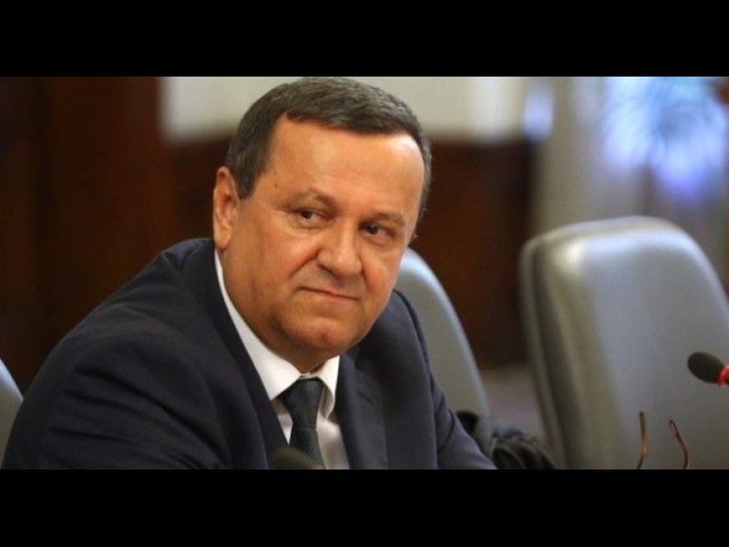Коронавирус в парламента. Хасан Адемов е дал положителна проба