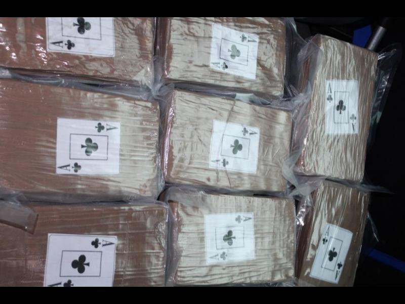 Нови 320 кг кокаин в дома на дилъра, който возеше 40 кила