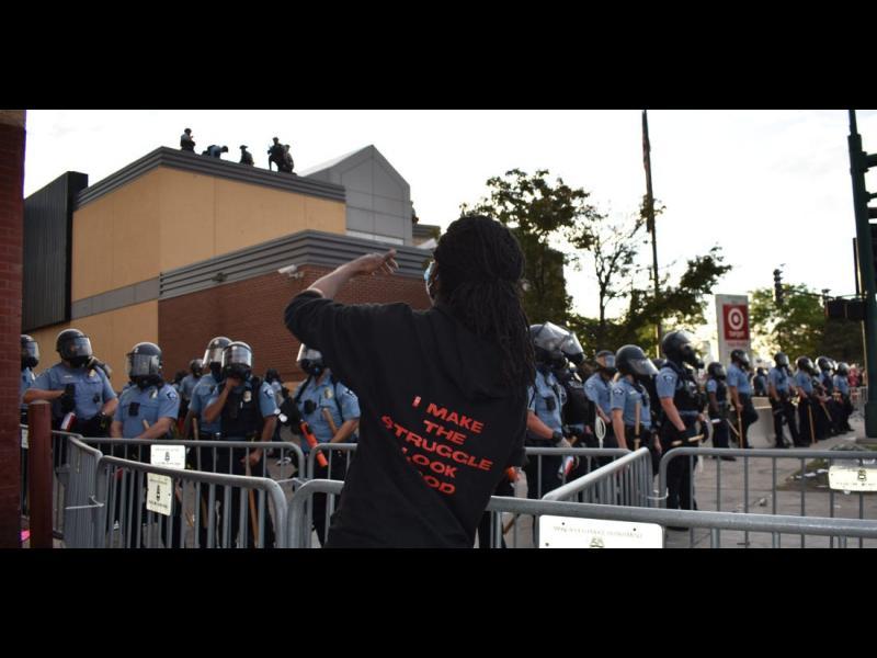 Минеаполис разпуска полицията заради обвиненията в расизъм - картинка 1