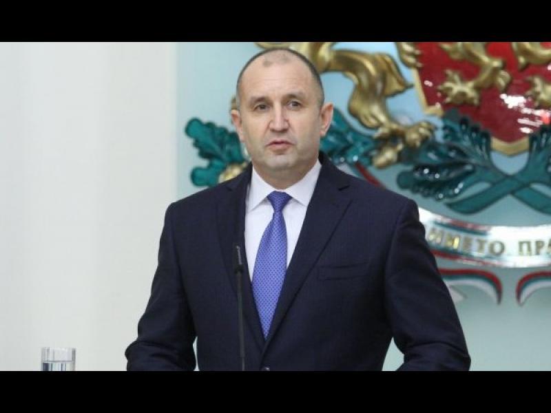 Радев поиска да се установи дали записът с Борисов е фалшив