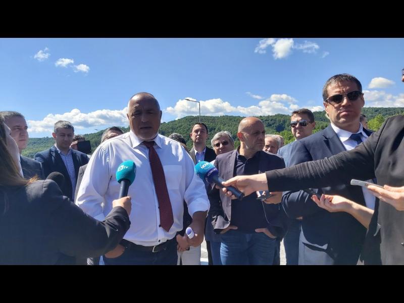 Борисов поиска смяна на независимия КЕВР заради прогнозите за по-скъпо парно