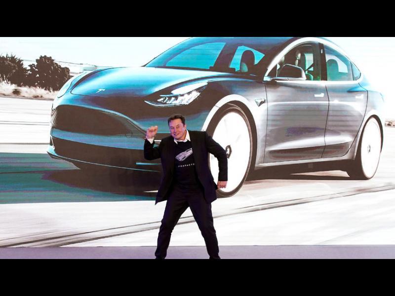 """""""Тесла"""" ще има напълно автономни коли до края на годината, обяви Мъск"""
