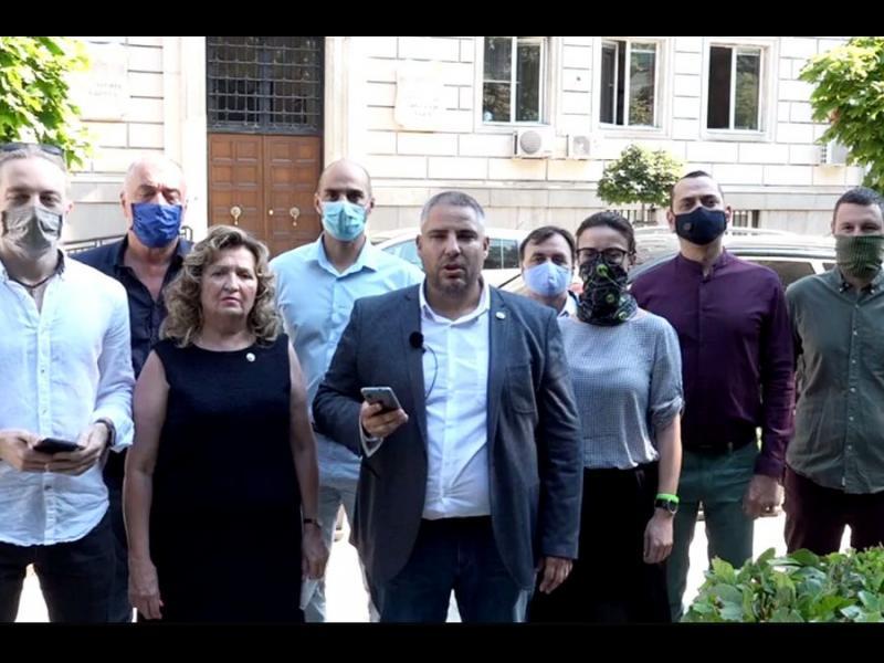 ДБ бойкотира заседанието на СОС: Мястото на всеки е на улицата