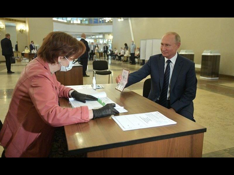 Путин остава завинаги