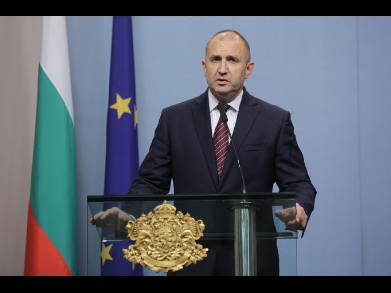 Президентът: Охранителите от Росенец са от НСО. Доган и Пеевски да не ползват държавни гардове
