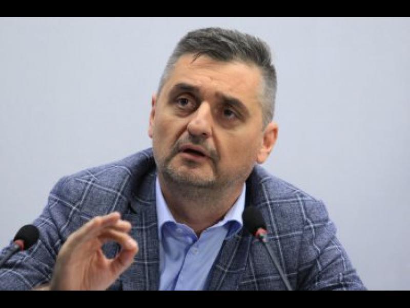 Кирил Добрев е договарял с Пеевски подкрепа за БСП за местния вот