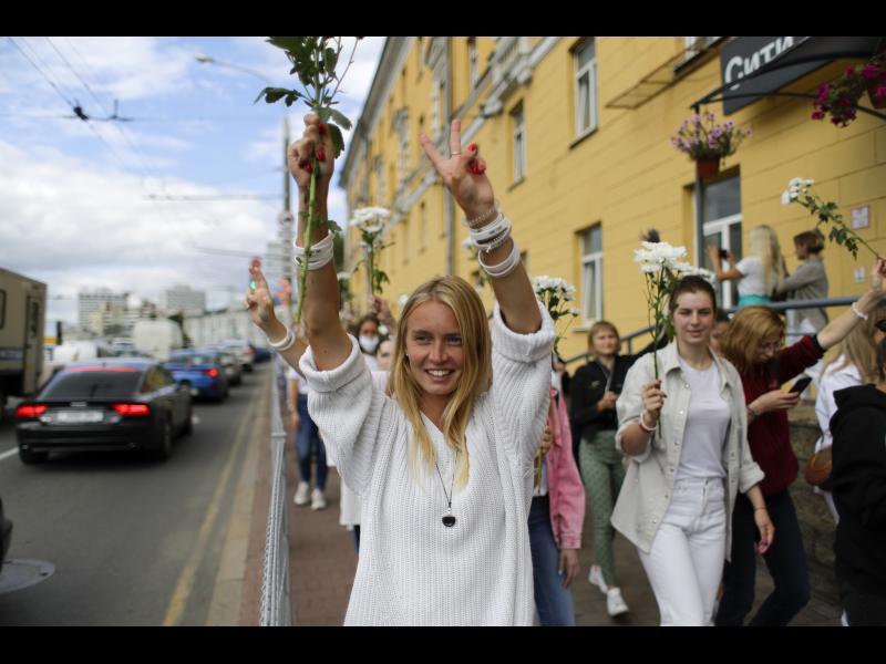 Макрон призова ЕС да подкрепя мирните протести в Беларус