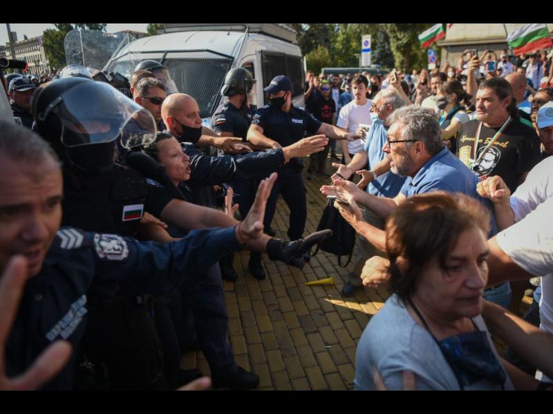 Politico: Как България стана мафиотската държава на ЕС