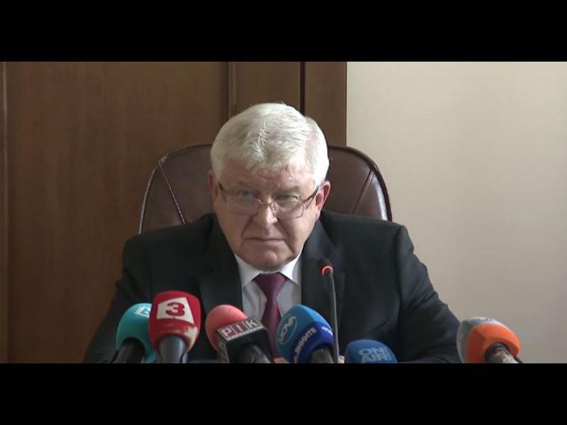 """ГЕРБ нарекоха новия дълг от 5 млрд. лв. """"уникален успех"""" - картинка 1"""