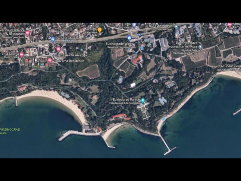 """Плажовете край """"Евксиноград"""" - напълно недостъпни"""