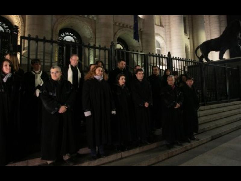 Съюзът на съдиите към ВСС поименно: Уволнете Гешев