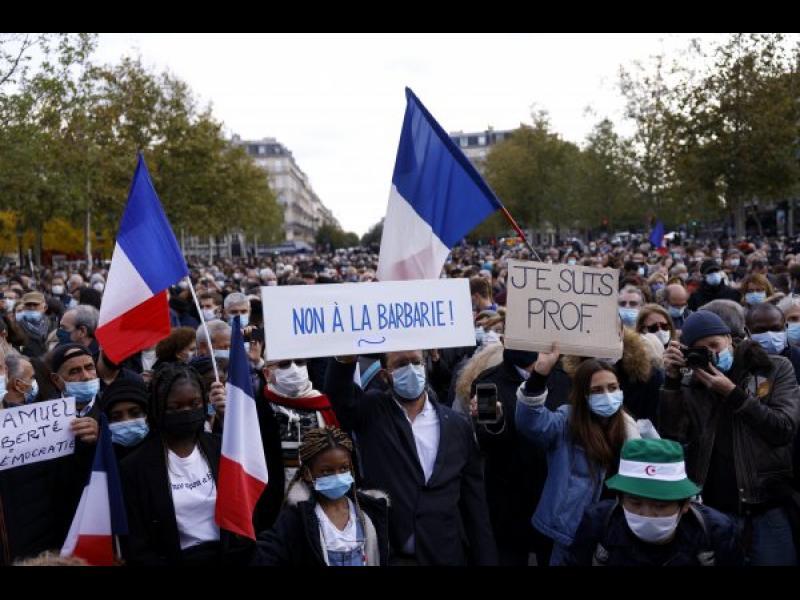 Франция ще експулсира над 230 заподозрени екстремисти