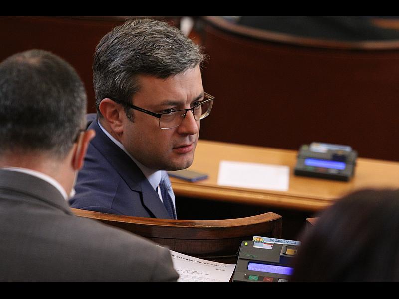 БОЕЦ съди Тома Биков за клевета и лъжа