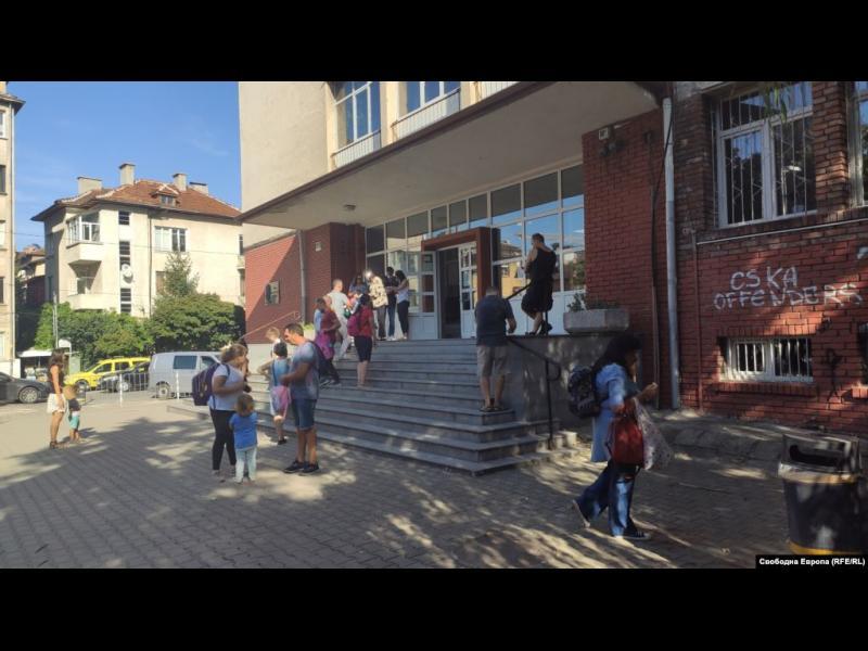 Знаят езици, но не търпят чужди култури. Нов доклад описа българските ученици като нетолерантни