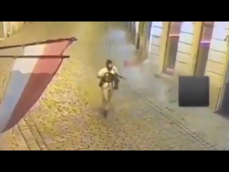 """Пета жертва на атентата във Виена, нападателят опитал да се присъедини към """"Ислямска държава"""" (допълнена)"""